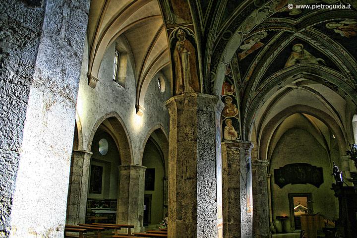 Celano, chiesa di San Giovanni Battista, interno
